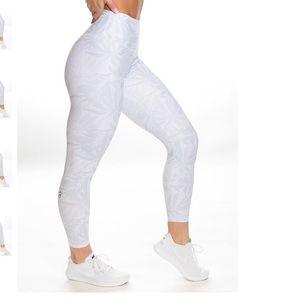 P'Tula White Leggings